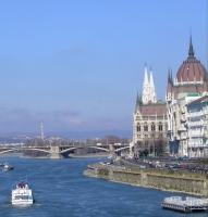 Прогулка по Дунаю на кораблике с обедом