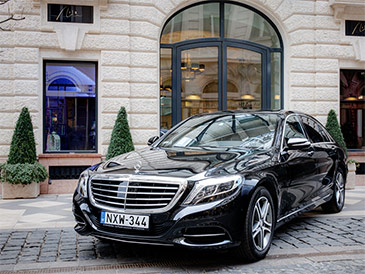 Luxury Limousine service hungary, Business travel hungary, Business car hungary, Executive drivers in Budapest, VIP transfer services hungary