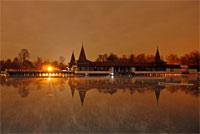 Венгрия. Термальное озеро Хевиз на закате.
