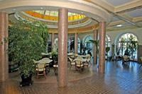 Спа и оздоровление на лучших термальных курортах Венгрии. Спа-туризм и незабываемый отдых в любое время года.
